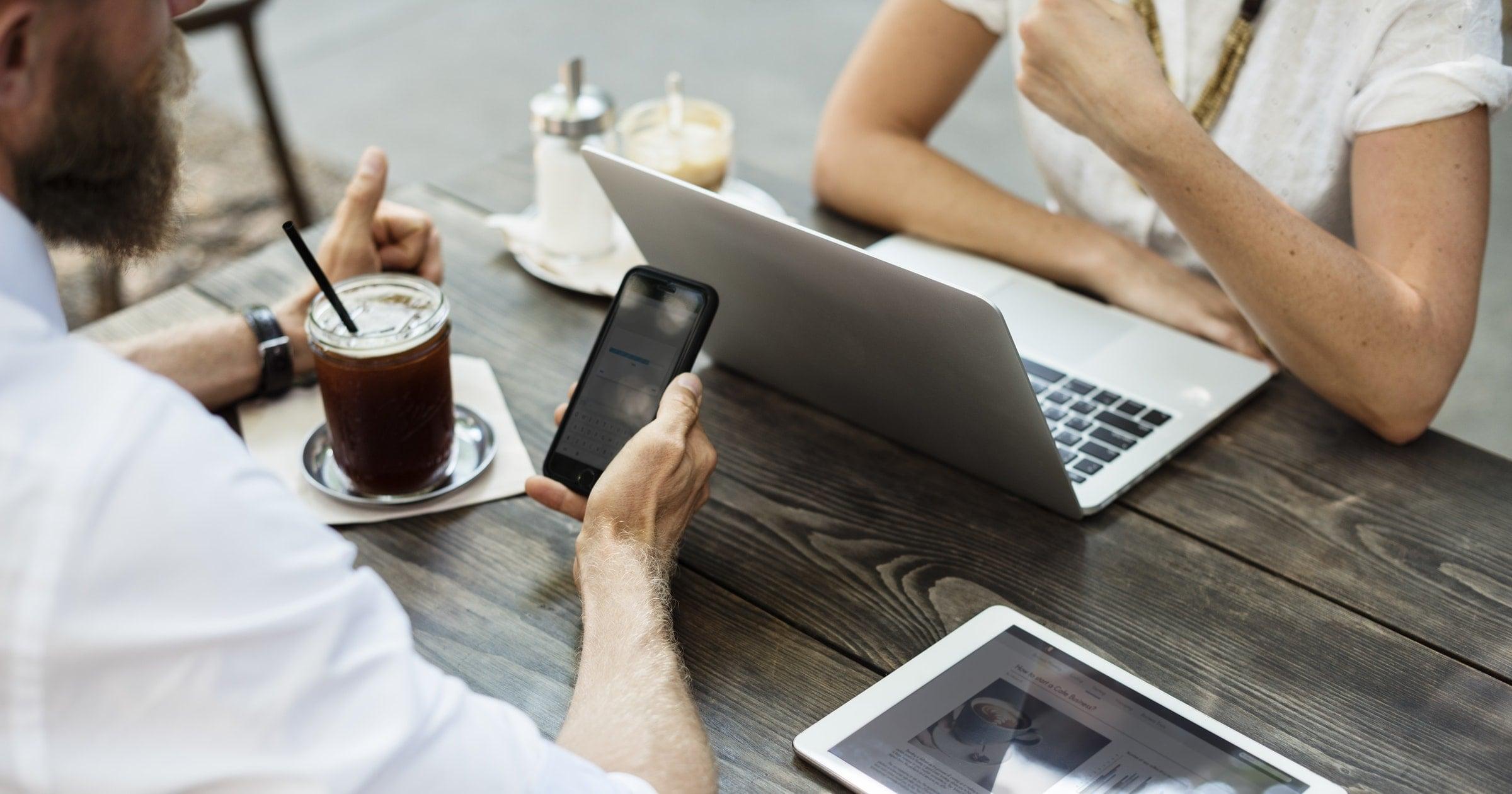 airdrop, andmete tõstmine, iphone piltide saatmine, mobipunkt, airdrop kasutamine, airdrop ei tööta, kuidas kasutada airdropi